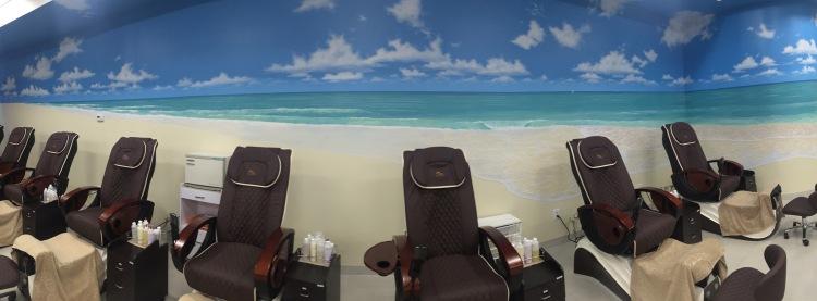 ocean-mural-at-a-nail-salon