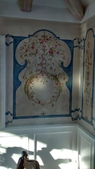 Fresco style dining room mural