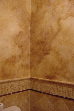 Tuscan style walls that resemble travertine