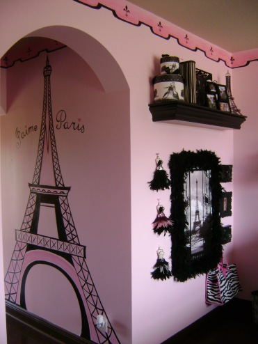 Paris theme girl's room