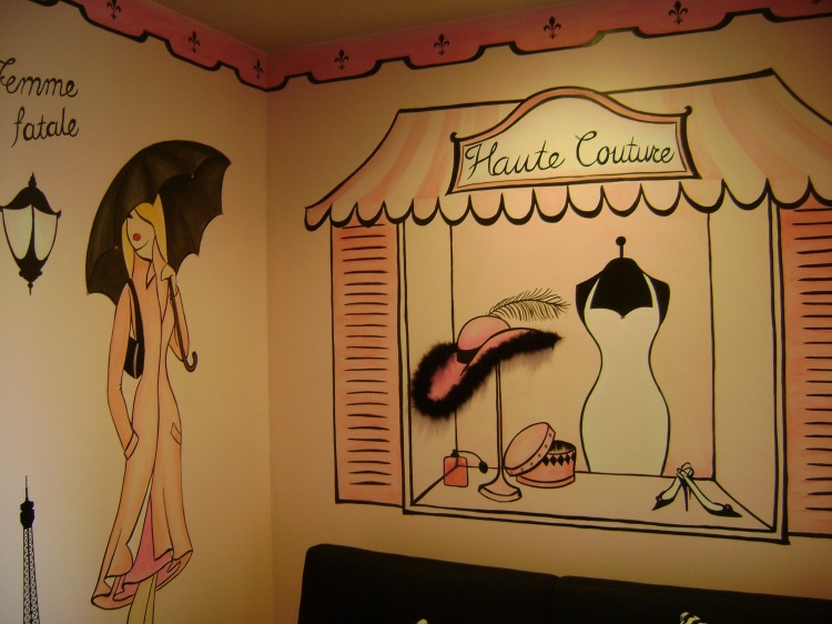 San-Diego-muralist-paris-pink-girls-room-haute-couture-mural-Art-by-Beata