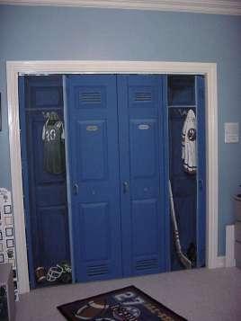 San-Diego-muralist-sport-lockers-boys-room-mural-artist-Art-by-Beata