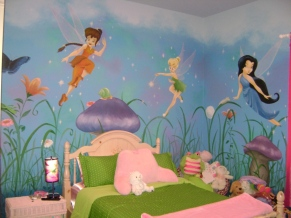 Fairy princesses and oversized plants and mushrooms make this girl's room super cozy