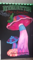 San-Diego-muralist-vape-shop-mushroom-mural-smoke-business-logo-Art-by-Beata
